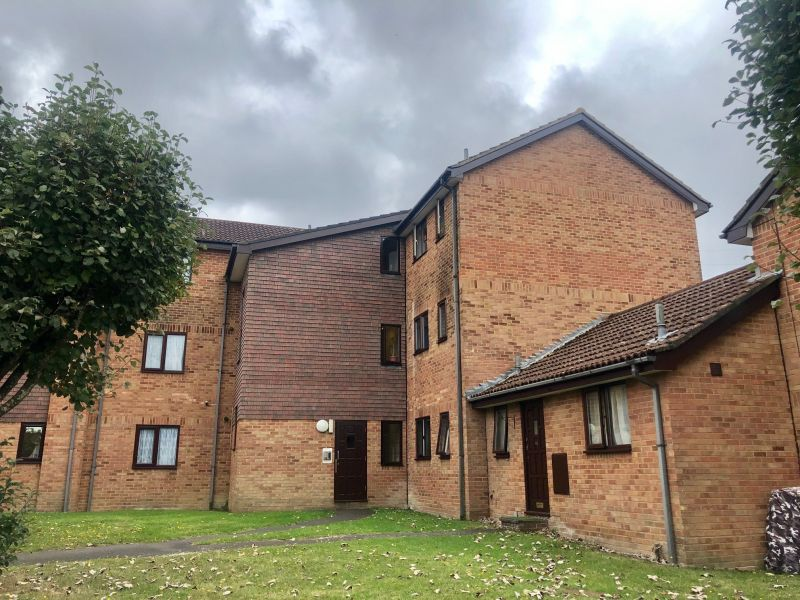 TWO DOUBLE BEDROOM, THIRD FLOOR FLAT central Canford Heath