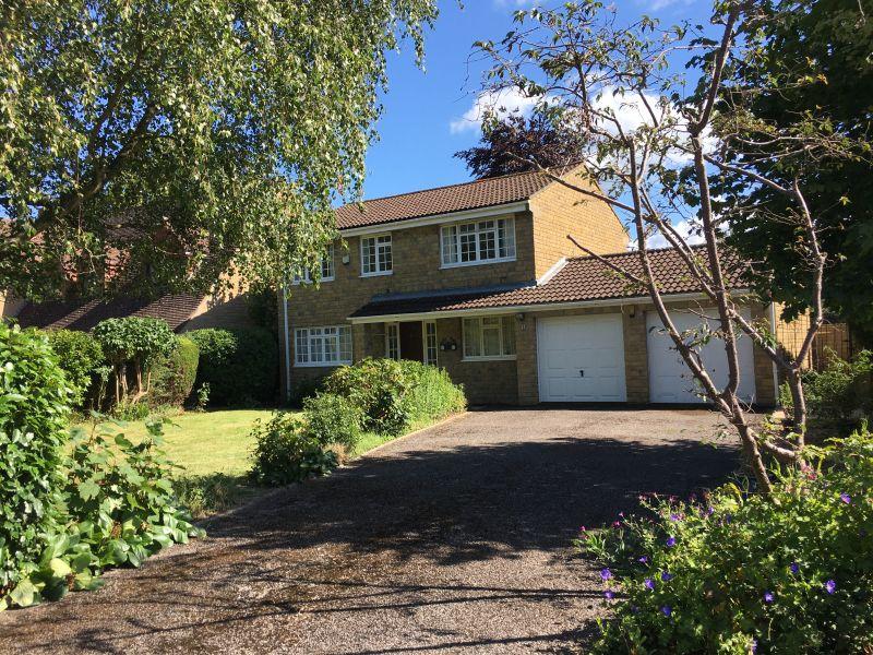 Detached 4 bed family house set in a popular village