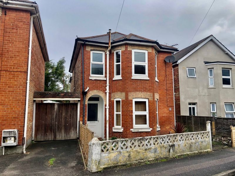 THREE DOUBLE BEDROOM DETACHED HOUSE